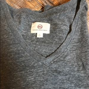 Adriano Goldschmied v-neck marled tee. Size large.